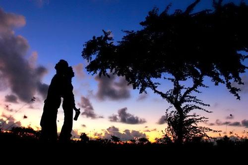 Картинки про любоввь - Влюбленные в красивом закате