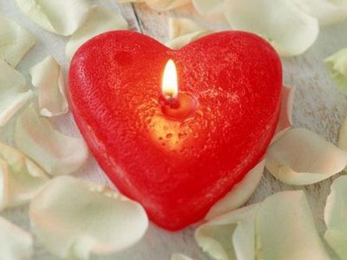 Свеча в виде сердечка