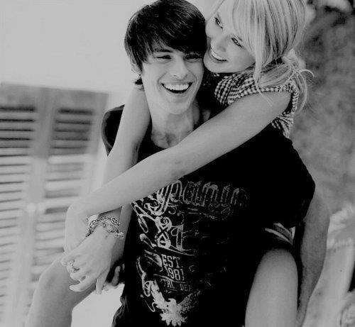 Верхом на своей любви - две счастливые улыбки