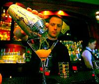 Поздравляю с Днем бармена