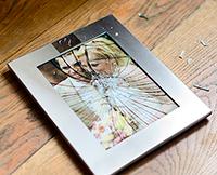 Если упал портрет, фотография. Примета