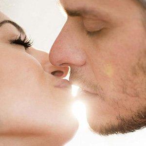 Поцелуи как прелюдия к любви