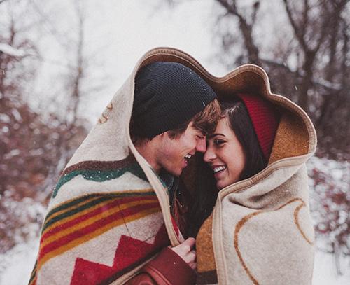 Две улыбки под одеялом