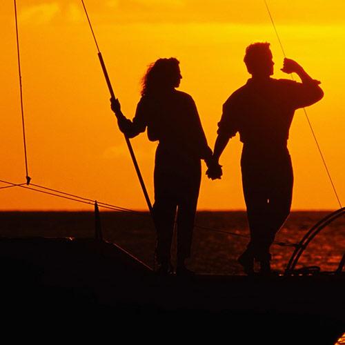 Уплывем с тобой в закат