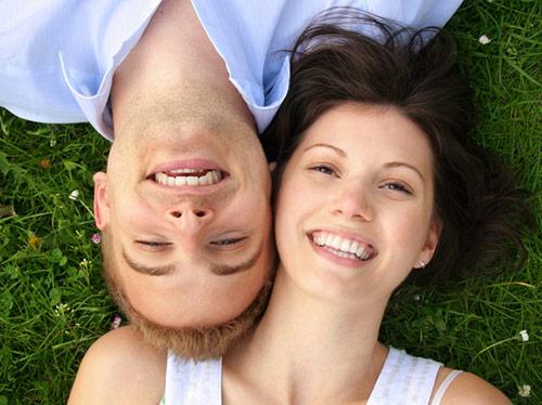 Две красивые улыбки отправляют в небеса