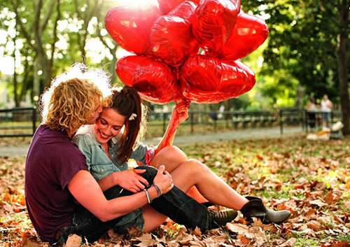 Осень, влюбленные, воздушные шарики....