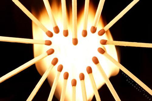 Любовь зажглась как спичка...