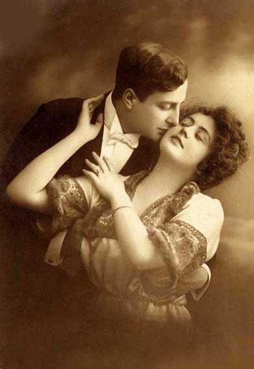 Любовь в оттенках сепии - старое фото