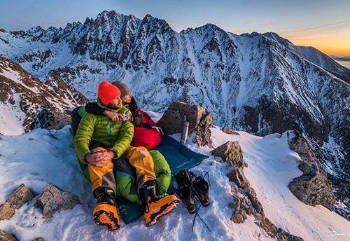 Любовь покоряет вершины...