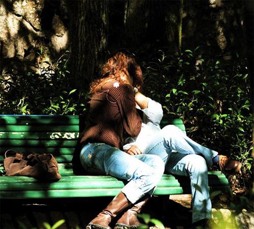 Парк, скамейка, поцелуй