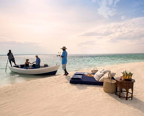Романтический пикник на тропическом пляже