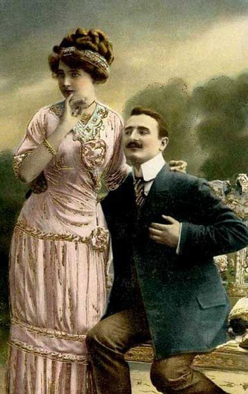 Удивление влюбленной пары - старое фото