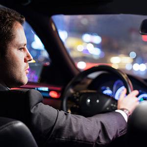 Почему мужчины лучше водят ночью