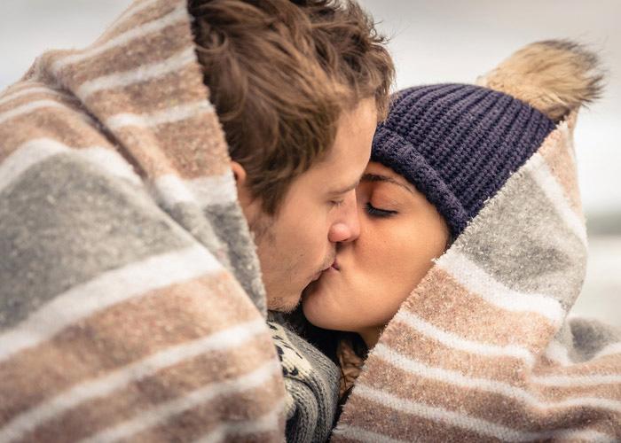 Поцелуй в холодную погоду