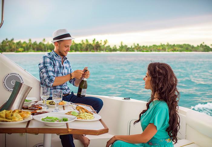 Романтический ужин на яхте