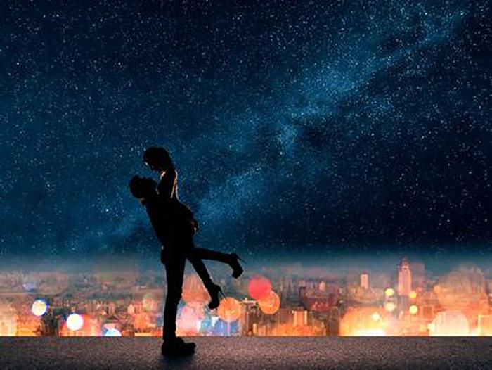 Ночной город, звездное небо и любовь