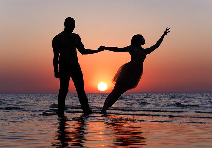 Танец любви и заката...