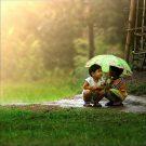 Детская влюбленность под зонтом