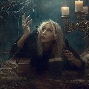 Загадки про колдунью, ведьму