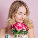 Женщина и розы - стихи