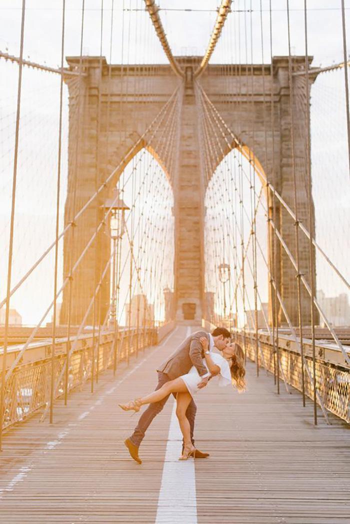 Красивый день, красивый мост, красивый поцелуй...