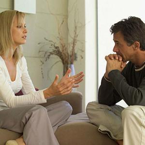 Почему мужчины молчат в стрессовом состоянии, а женщины много говорит