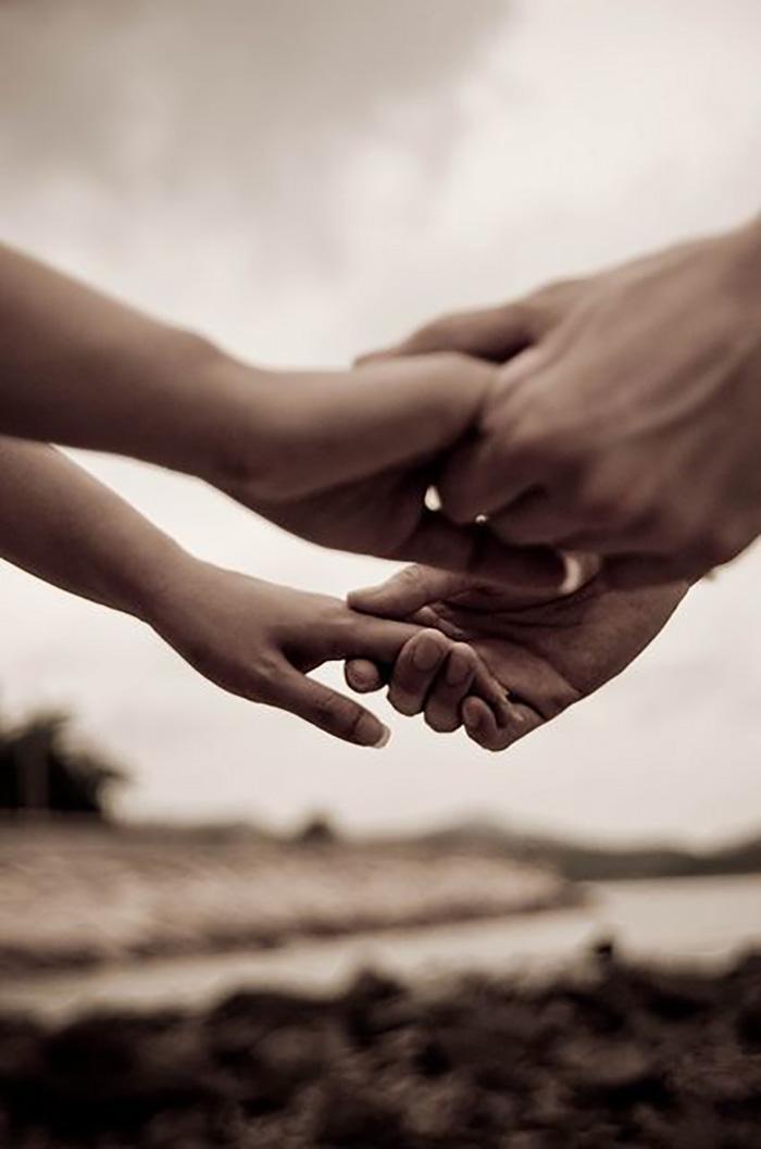 Твои руки в моих руках