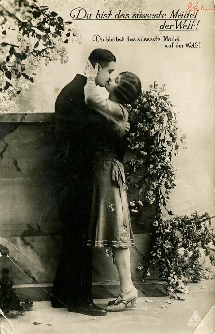 Цветущий поцелуй - старое фото