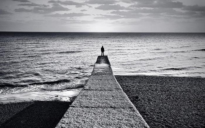 Одиночество на пирсе